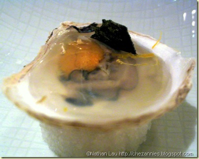 Manresa uni in oyster
