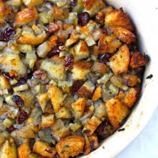 Aimée's Fruit & Herb Stuffing
