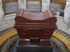 Tumba de Napoleon en el Dome en los Invalidos