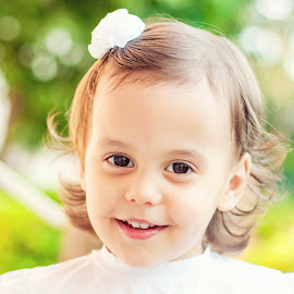 Olive eyes by Prian Romeo - Babies & Children Child Portraits