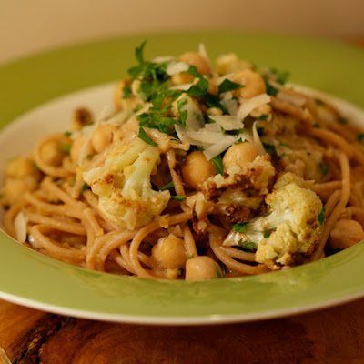 High-Protein Spaghetti with Chickpeas and Roasted Cauliflower