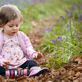 Amelia & Her Leaves by Chinchilla  Photography - Babies & Children Toddlers