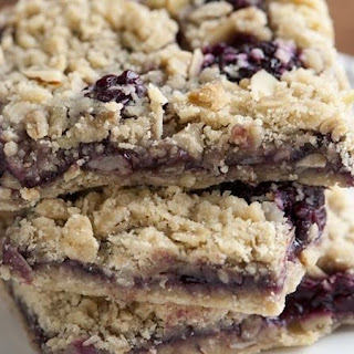 Blackberry-Almond Oatmeal Bars