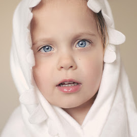 White blankie by Lucia STA - Babies & Children Child Portraits