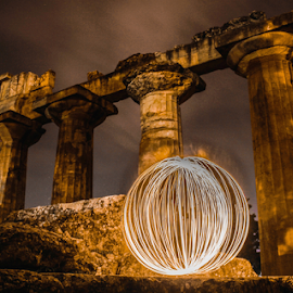 Light on the past by AYMAN ELBOURI - Abstract Light Painting