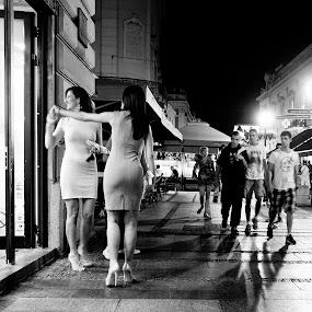 by Dragana Jankovic - Black & White Street & Candid ( black and white, city life, summer, candid, street scene, people, street photography, , Urban, City, Lifestyle )