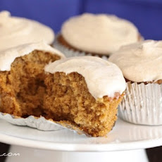 Gingersnap Cupcakes with Vanilla Bean Cinnamon Buttercream