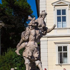 Statues to Salzburg 2014.jpg