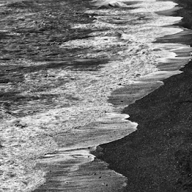 waves by Luca Paramidani - Landscapes Beaches ( water, iceland, black and white, waves, shoreline )