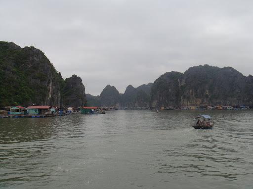 Virée sur la fameuse Baie d'Halong