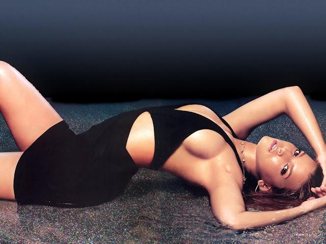 Jessica Simpson sexy bikini