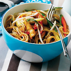 Stir-fried Chicken And Vegetable Noodles