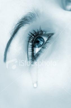 http://lh6.ggpht.com/mollyevangeline/R-qfEsEhA1I/AAAAAAAAABQ/7-R_k51ThRs/ist2_4501152_crying_eye_blue_highkey_version%5B6%5D.jpg