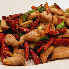 Spicy Stir-Fried Chicken and Peanuts