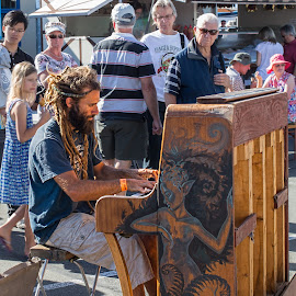 Sunshine tunes by Vibeke Friis - People Musicians & Entertainers ( busker, man on piano, people,  )