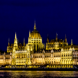 Budapest by Ana Luiza Ribeiro - Buildings & Architecture Public & Historical