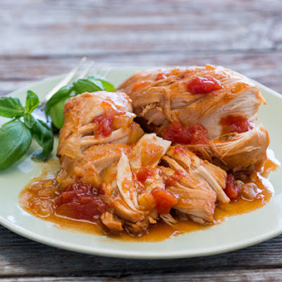 Slow Cooker Sriracha Tomato Chicken