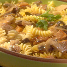 Creamy Fusilli with Mushrooms and Chicken