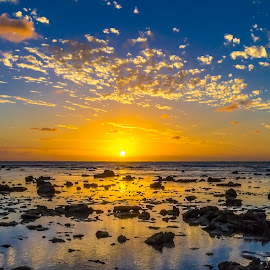 Sun Sets Over Lady Elliot Island by Colin Davis - Landscapes Sunsets & Sunrises ( sunset, low tide, island )
