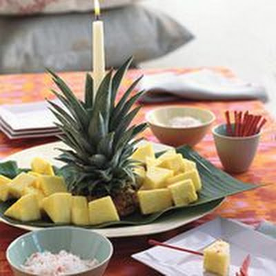 Pineapple Tower with Fire and Ice Dip