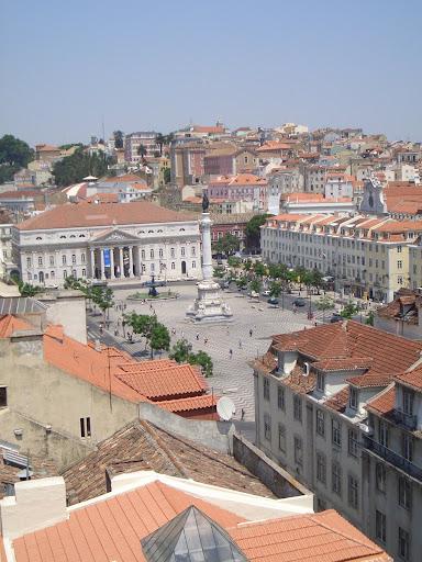 Mon Jul 11 14:11:34 2005 LisbonAndSintra