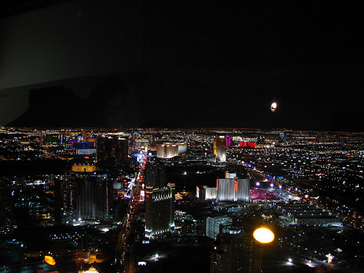 Las Vegas at night - personal blog of Naroor Ratish