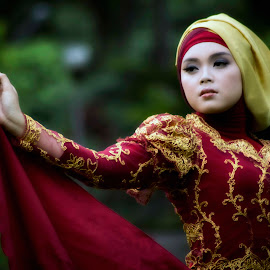 I can fly by Prio Widodo - People Fashion