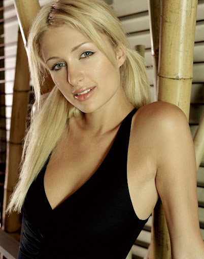 PARIS HILTON LOOKING SEXY IN BLACK DRESS