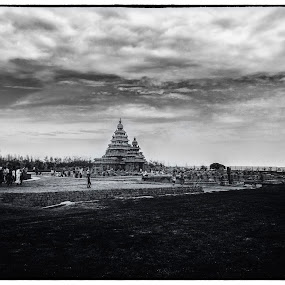 The Shore Temple-Mamallapuram by Samaneethi Krishnan - Buildings & Architecture Public & Historical ( shore temple, india, chennai, tamil nadu, HDR, Landscapes,  )