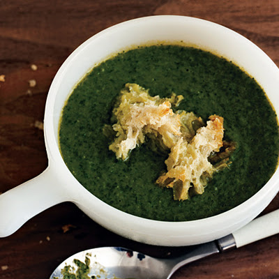 Lettuce Soup with Croutons