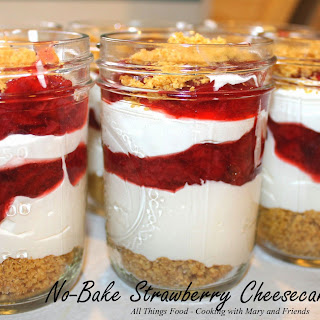 No-Bake Strawberry Cheesecake Parfaits
