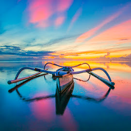 Spider Boat by Om Kas - Transportation Boats