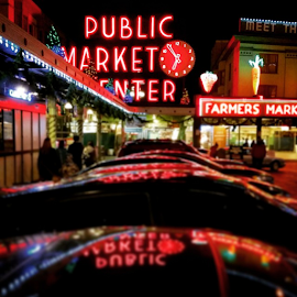 6:55 by Todd Reynolds - Instagram & Mobile Android ( pikeplacemarket, seattle, toddreynoldsphotography )
