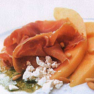 Cantaloupe and Prosciutto with Basil Oil