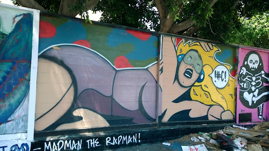 GuirillaOne and SportieLA provided the FAME YARD on Melrose for Andrea LaHue aka Random Act to head up a group of 7 artists...