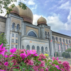 Palace of Justice, Putrajaya by Rozi Rahman - Instagram & Mobile iPhone