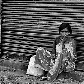 the endless wait by Abhinav Ganorkar - People Street & Candids ( homeless people, b&w, street, candid,  )