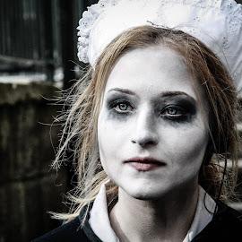 Halloween  by Paulo Jose - People Body Art/Tattoos ( face, makeup, woman, face paint, dark, halloween,  )