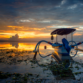 .:: alone ::. by Setyawan B. Prasodjo - Transportation Boats