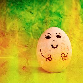 Iloinen kananmuna by Niina Hakkarainen - Digital Art Abstract