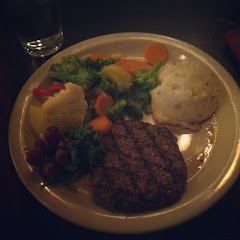 I am a very sensitive celiac and I ordered from the gluten free menu.  I ordered Tullamaine Tenderlo
