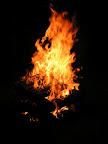 Pupígovi s ohěň podařilo zapálit, i když pravidla zapalování se mu nějak vykouřila z hlavy.