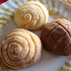 Conchas (Mexican Sweet-Topped Buns)