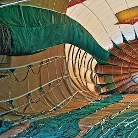 Inside of The Old Lady & The Shoe  by Billy Caddell Jr. - News & Events Entertainment ( hot air balloon, 2014 big country  balloon fest, pilot: chris jones of the old lady and the shoe, old lady & the shoe )
