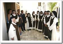 Las integrantes de la congregación, junto a representantes de la Corporación.