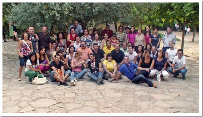 Grupo participante, posando en el Monasterio de Piedra.