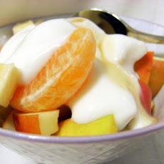 Frouta Ke Yaourti (Greek Fruit Salad)