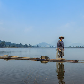 Fisherman by Kampia Bareh - People Street & Candids ( minangkabau, indonesia, fisherman, west sumatera, tarusan kamang )
