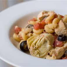 Greek-Inspired Chicken Pasta