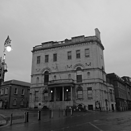 Dublin by Deborah Russenberger - Buildings & Architecture Other Exteriors ( b&w, street )